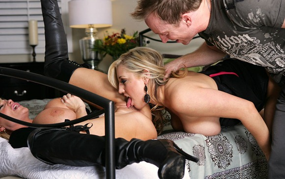 kelly-madison-and-dayna-vendetta-experiencing-powerful-orgasms